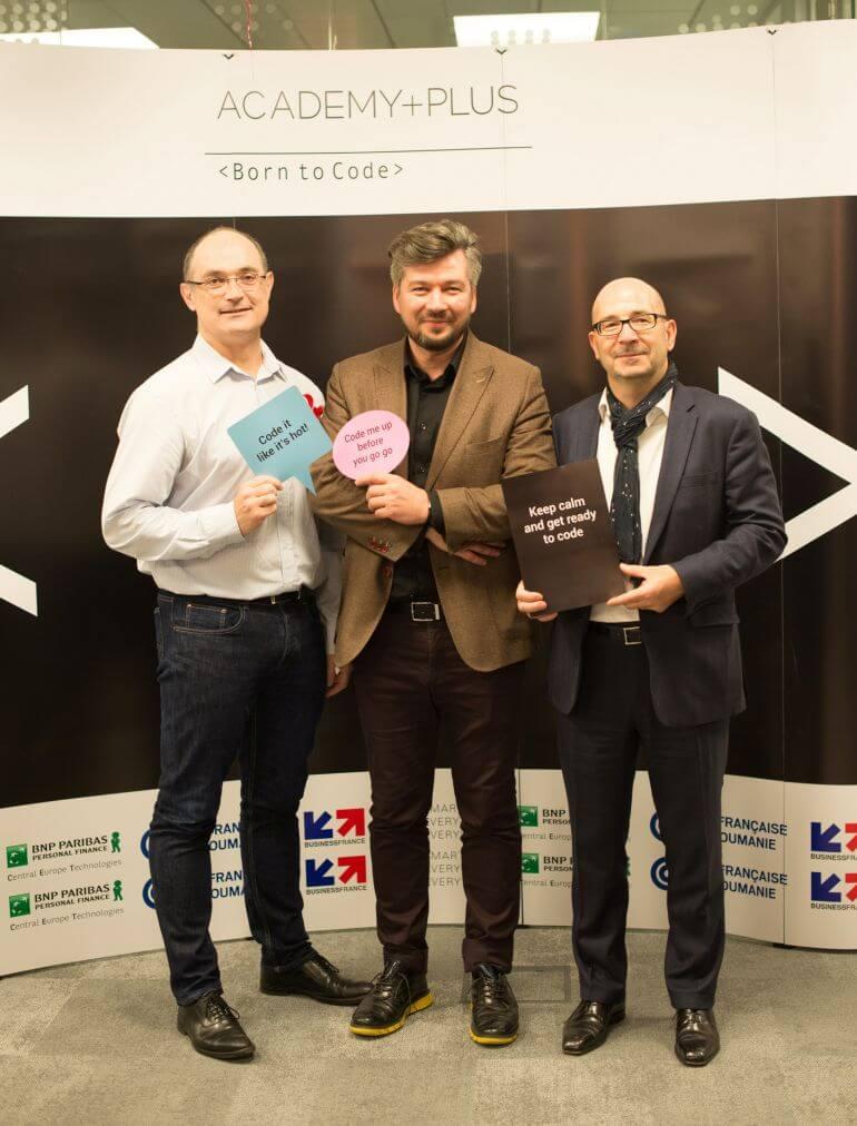 Societe Generale European Business Services sprijină educația IT din România prin parteneriatul cu școala ACADEMY + PLUS